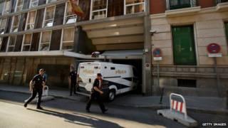 Los King fueron arrestados por la policía española el sábado.