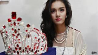 """Май Мьят Нуо с короной """"Мисс Азия"""" 2 сентября 2014 года"""
