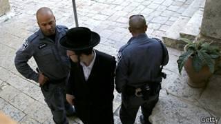 Igipolisi ca Israel cugaye Al-Aqsa
