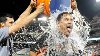 Участник акции Ice Bucket Challenge
