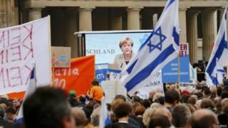Ангела Меркель на митинге в Берлине