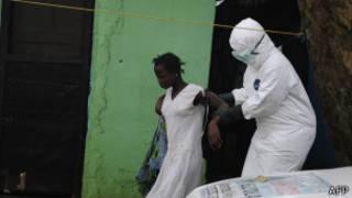 Urukingo rwa Ebola niriboneka ruzabanza guhabwa abaganga bita ku bayirwaye