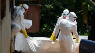 Le confinement de la population sierra-léonaise durant trois jours a permis de découvrir au moins 90 corps de malades (photo d'archives).