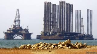 Нефтяные платформы в Каспийском море, Азербайджан