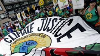 Manifestação por ação contra mudanças climáticas em Nova York   Foto: EPA