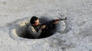 Combatiente peshmerga kurdo en Irak