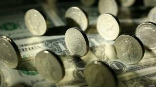 पांच बैंकों पर तीन अरब डॉलर का जुर्माना