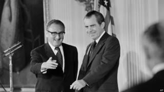 हेनरी किसिंजर अमरीकी राष्ट्रपति निक्सन के साथ