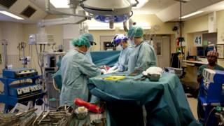 Операция по трансплантации матки