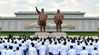 朝鲜领导人雕像