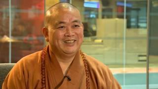 少林方丈釋永信在倫敦BBC廣播大廈接受採訪(8/10/2014)