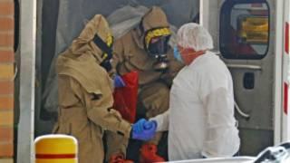 Ma'aikatan jinyar Ebola a Amurka