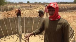 Construção de cisterna em Contente. Credito: BBC