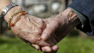 英國150萬年長男性將會過上獨居生活