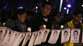 Vigilia de estudantes em Iguala