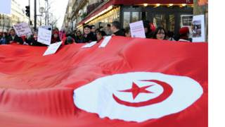 تجمع مؤيد للثورة في تونس