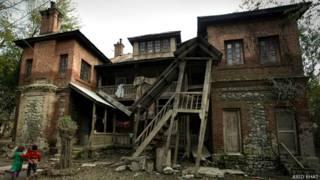 कश्मीर की ऐतिहासिक महत्व की इमारतें