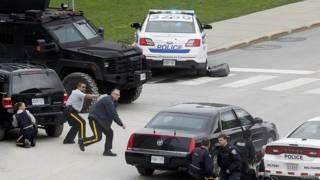 Полиция у парламентского комплекса в Оттаве