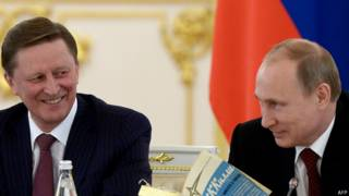 Глава администрации Кремля Сергей Иванов (слева) и президент РФ Владимир Путин