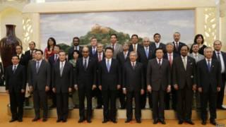 एशियन इन्फ्रास्ट्रक्चर इन्वेस्टमेंट बैंक के प्रतिनिधि
