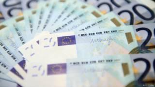 Евро - валюта, принятая в обращение в большинстве стран Евросоюза