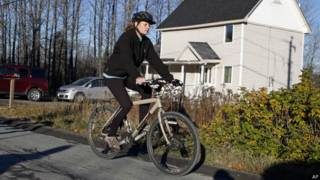 Медсестра на велосипеде