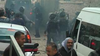 """العنف بين الإسرائيليين والفلسطينيين: """"اتفاق بين إسرائيل والأردن على خطوات"""" لخفض التوتر في المسجد الأقصى"""