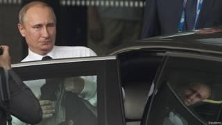 """Владимир Путин покидает саммит """"Большой двадцатки"""" в Брисбене 16 ноября 2014 года"""