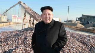 Ким Чен Ын на рыбозаводе