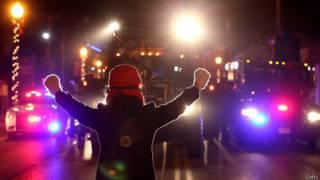 Протестующий в Фергюсоне