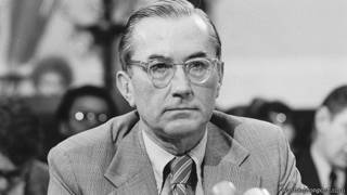 Ông William E. Colby