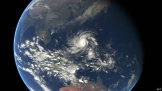 Тайфун хагупит из космоса