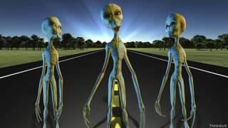 Инопланетяне идут по шоссе