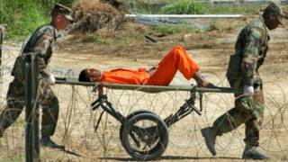Prisioneiro em Guantánamo em 2002 | Foto: AP