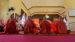 thai_monks