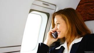 विमान में महिला