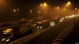 A rodovia M25, na Grã-Bretanha
