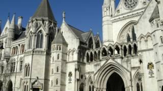 Здание суда в Лондоне