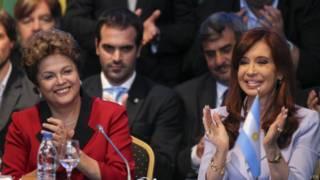 Dilma Rousseff e Cristina Kirchner na reunião do Mercosul | Foto: EPA