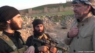 یورگن تودنهوفر در کنار اعضای داعش