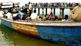 Ubwato nk'ubu bukunze kugira impanuka mu nzuzi zo muri Kongo