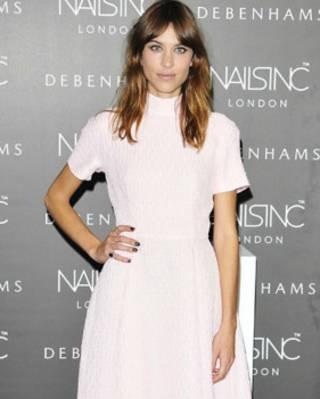 艾裏珊•鐘身穿維克斯蒂德設計的芭蕾長裙禮服出席英國時尚大獎頒獎禮