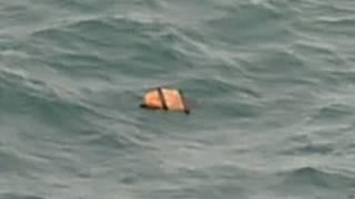 印尼搜救飛機在爪哇海發現的懷疑亞航飛機殘骸(30/12/2014)