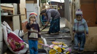 Comunidade roma perto de Paris (AFP)