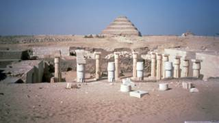 archaeologists_egypt_queen