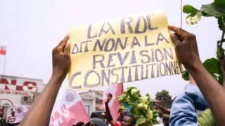 De violentes manifestations ont eu lieu en RDC, pour dénoncer la révision de la loi électorale.