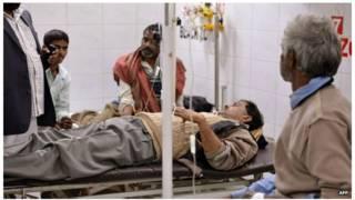 ভারতের উত্তর প্রদেশে মদ পান করে ২১ জনের মৃত্যু