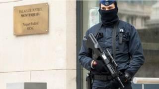 Cảnh sát gác tại Văn phòng Công tố Liên bang Bỉ