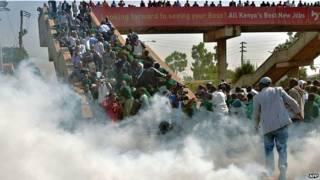 नैरोबी में स्कूली बच्चों का विरोध प्रदर्शन
