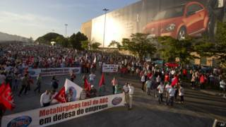 Protesto demissões (AP)